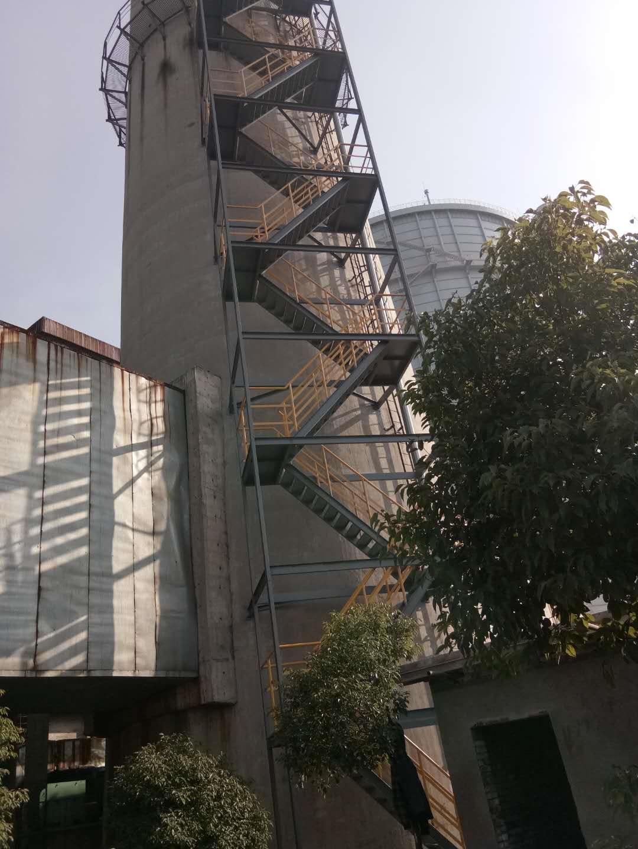 烟囱爬梯平台安装