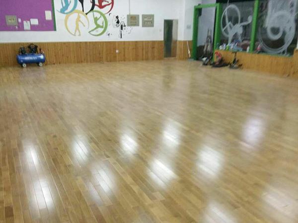 室内木地板