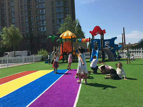 幼儿园草坪施工