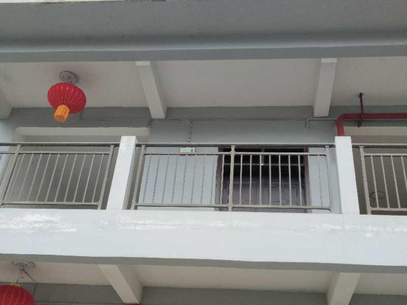阳台过道护栏