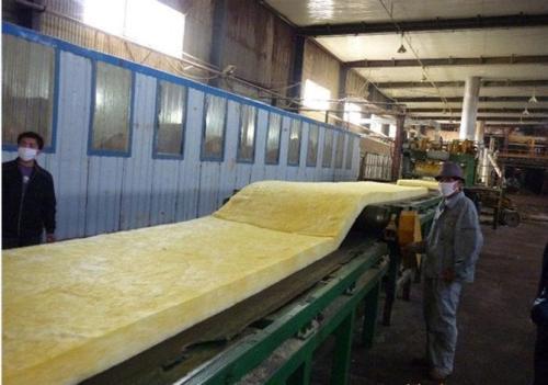 玻璃棉卷毡制作