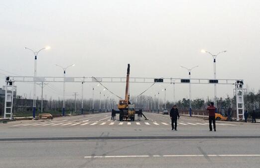 交通警示灯灯杆