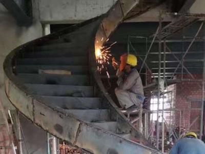 弧形旋转楼梯