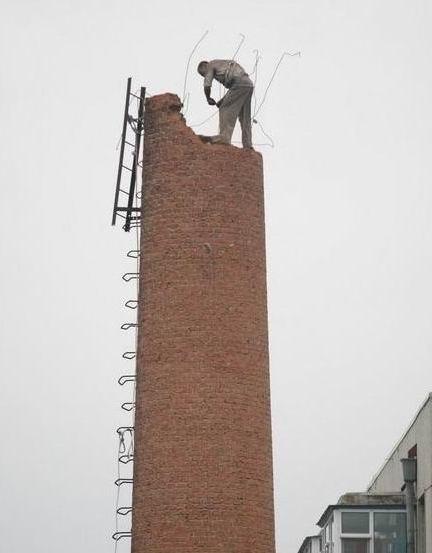 舟山市60米砖烟囱人工拆除