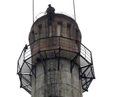 浙江省四平市150米烟囱避雷针,安装平台,爬梯,护网,安装航标灯,烟囱外壁防水堵漏,烟囱维修
