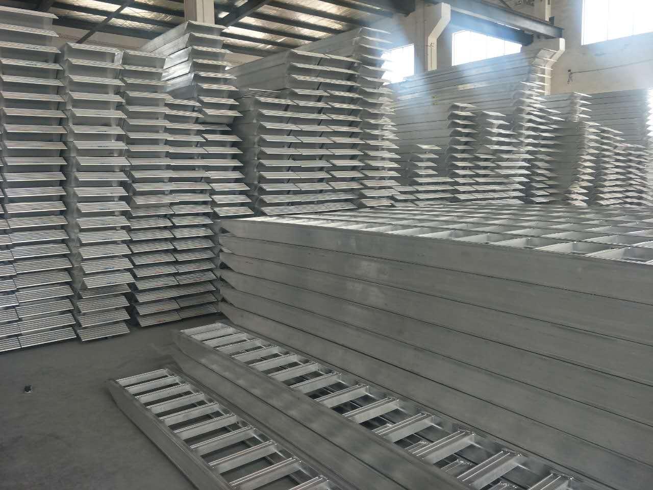 铝合金爬梯厂家