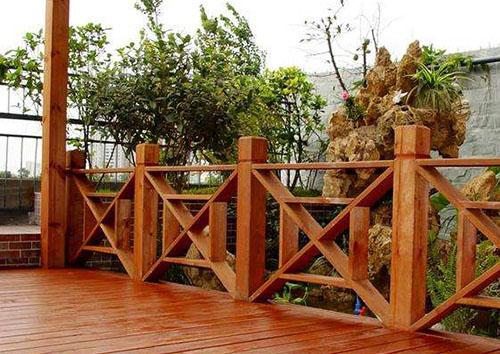 防腐木圍欄