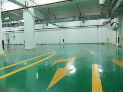 这是一张工业车库地坪的图片