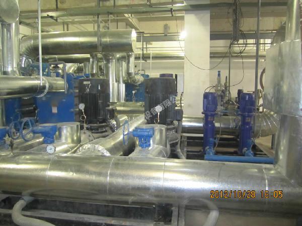 水水换热机组现场
