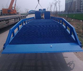 登车桥定制