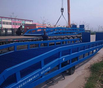 液压式固定登車橋