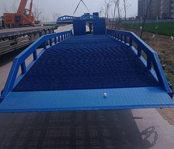 楼层登车桥