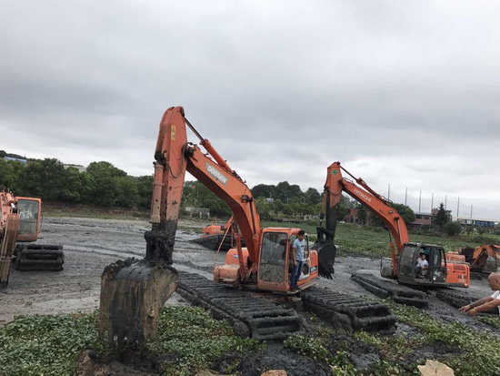 水陆挖掘机租赁价格