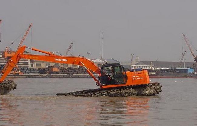 天门水上挖掘机