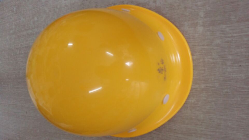 黄石ABS透气型安全帽