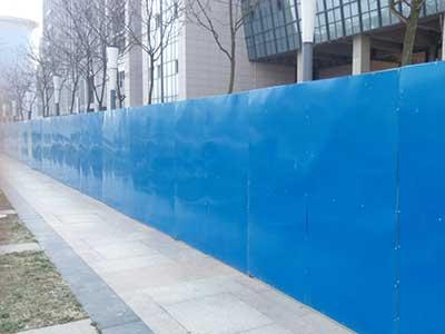 【图文】石家庄彩钢围挡质量要求_市政工程围挡方便安装