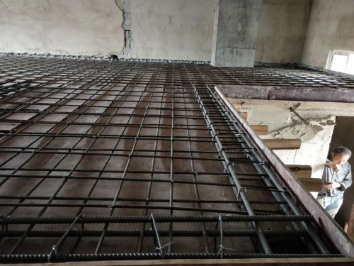 钢结构隔层制作