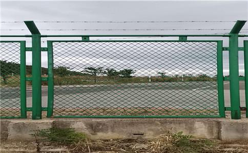运动场场栅栏