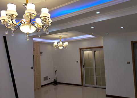 客厅吊灯装饰