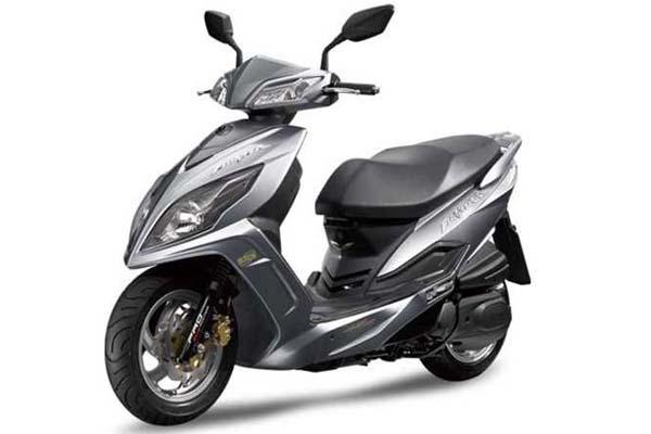 三阳踏板摩托车