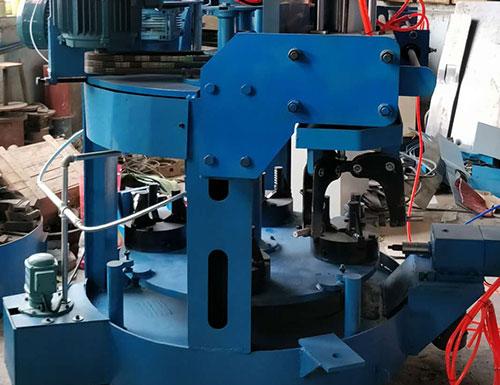 立式加工网架螺栓球基准孔的自动机床