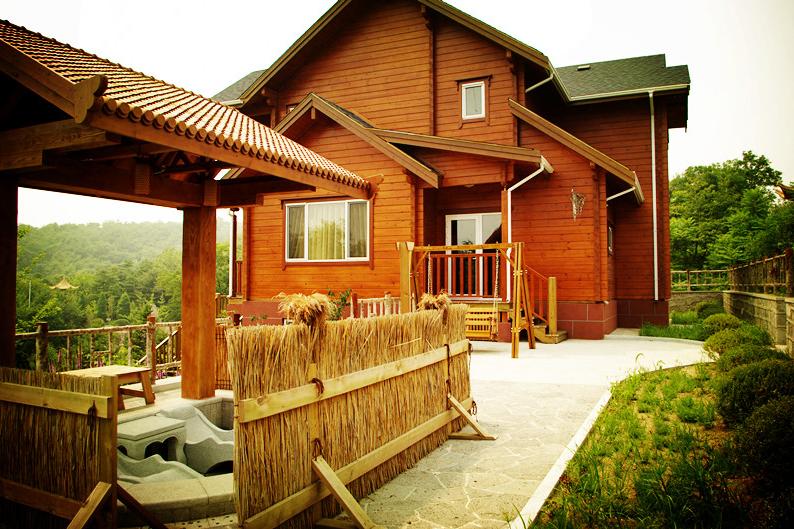 美式木制别墅