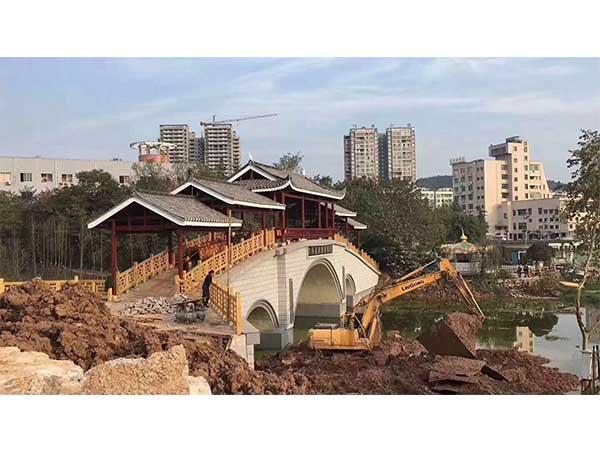 防腐木风雨桥建筑