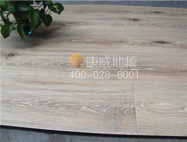 拉丝木地板价格