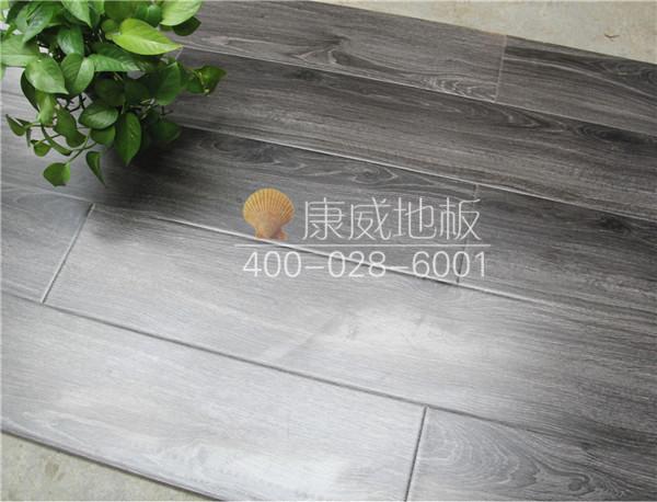 仿古拉丝实木地板