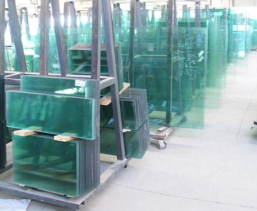 钢化玻璃�? class=