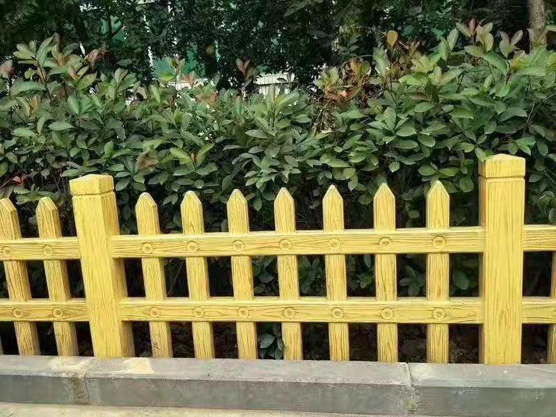 仿木材栏杆