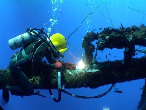 手工水下焊接