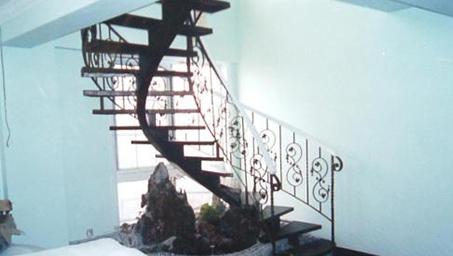 室内铁艺楼梯价格