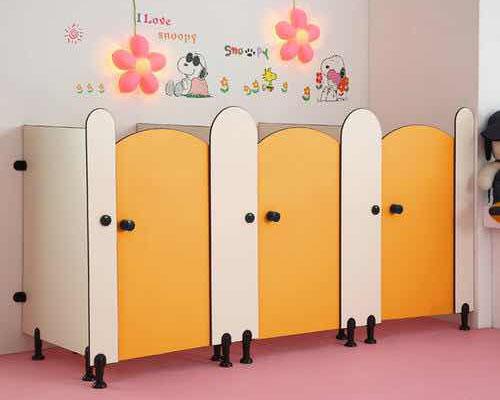 幼兒園衛生間隔斷