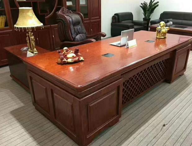 油漆辦公桌
