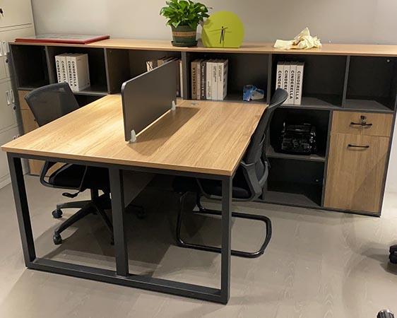 �F��T工�M合桌