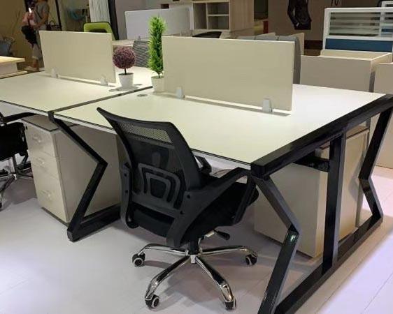 貴陽員工辦公桌