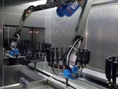 台链式输送机器人跟踪喷涂设备