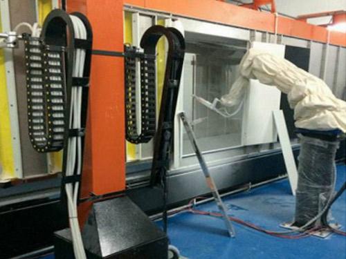 机器人加往复机喷粉设备