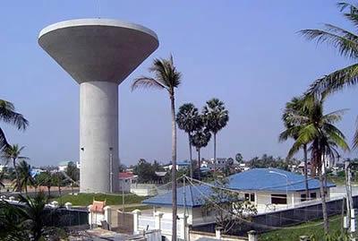 新建蘑菇型水塔