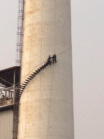 60米烟囱维修加固