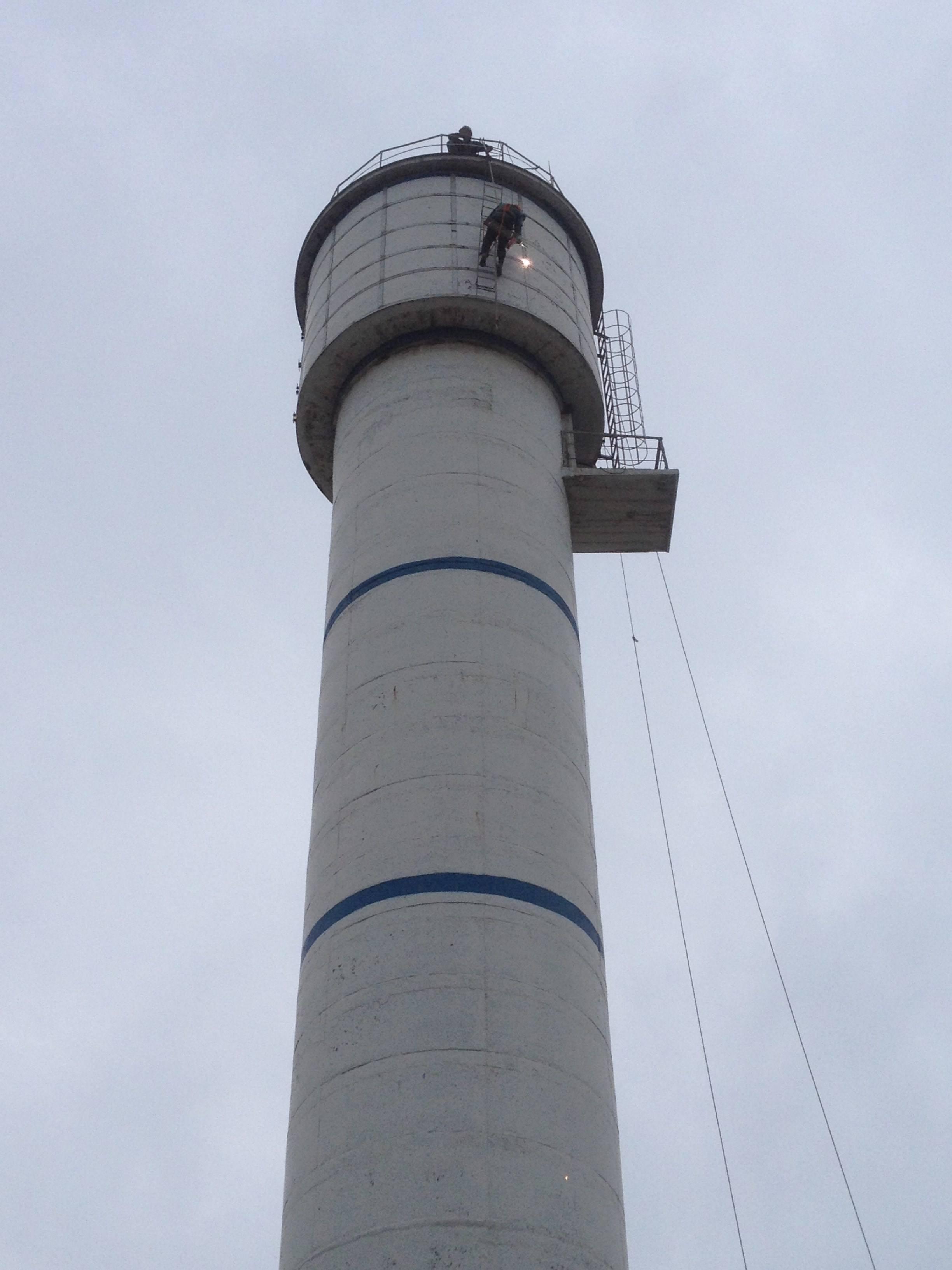 砖瓦厂烟囱加固