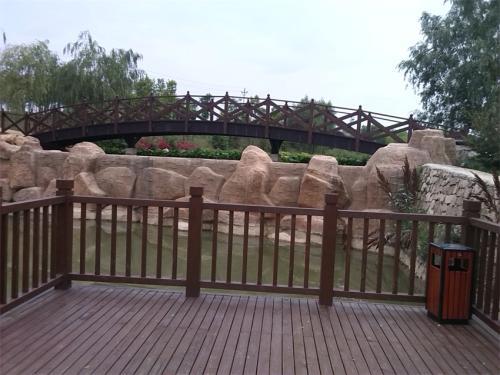 毕节防腐木护栏