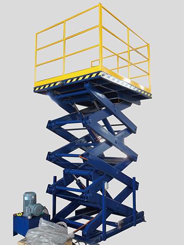 货梯式高空作业平台