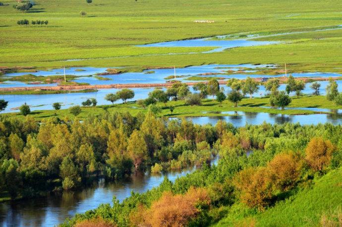 西乌珠穆沁草原、乌拉盖、九曲湾三日游