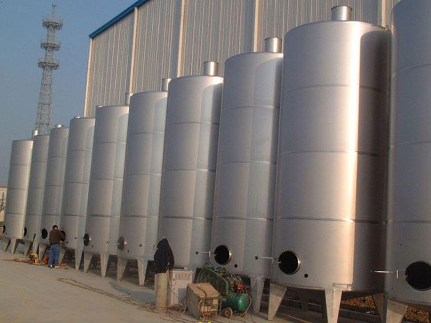 武汉不锈钢圆柱形水箱定制