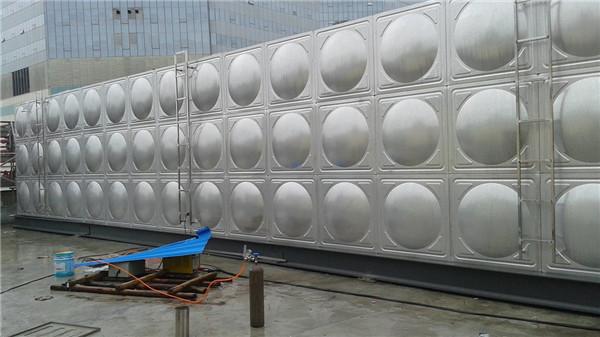 专业订制不锈钢水箱