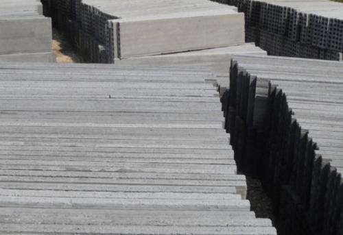 十堰防潮墙板施工