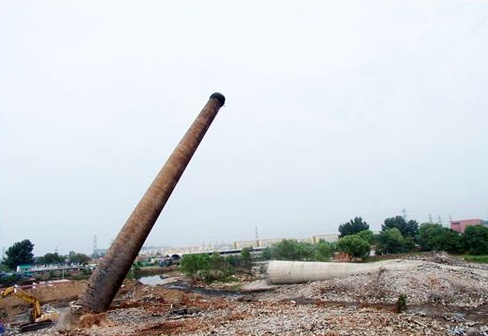 砖烟囱定向拆除