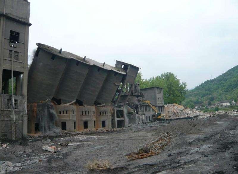 废弃厂房拆除
